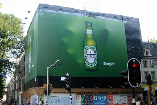 بیلبورد خلاقانه تبلیغات نوشیدنی